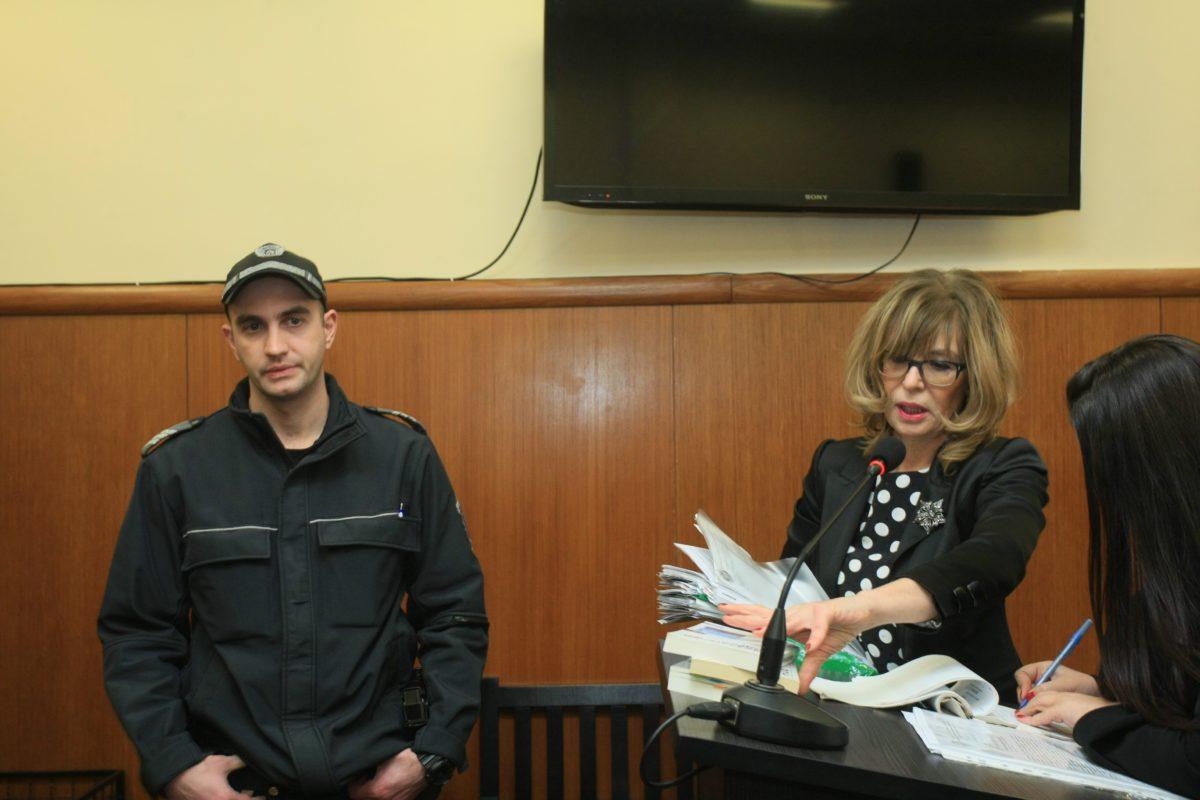 Поради липса на мотиви делото за уволнението на Ченалова се върна на първа инстанция