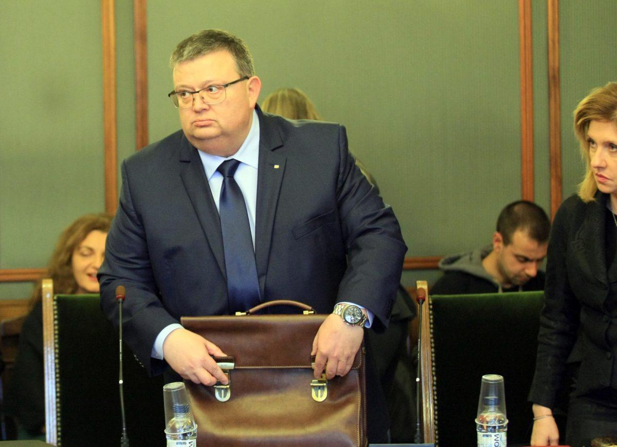 Магдалинчев: Цацаров би бил добра кандидатура за шеф на КПКОНПИ. Депутати: Още не са водени разговори