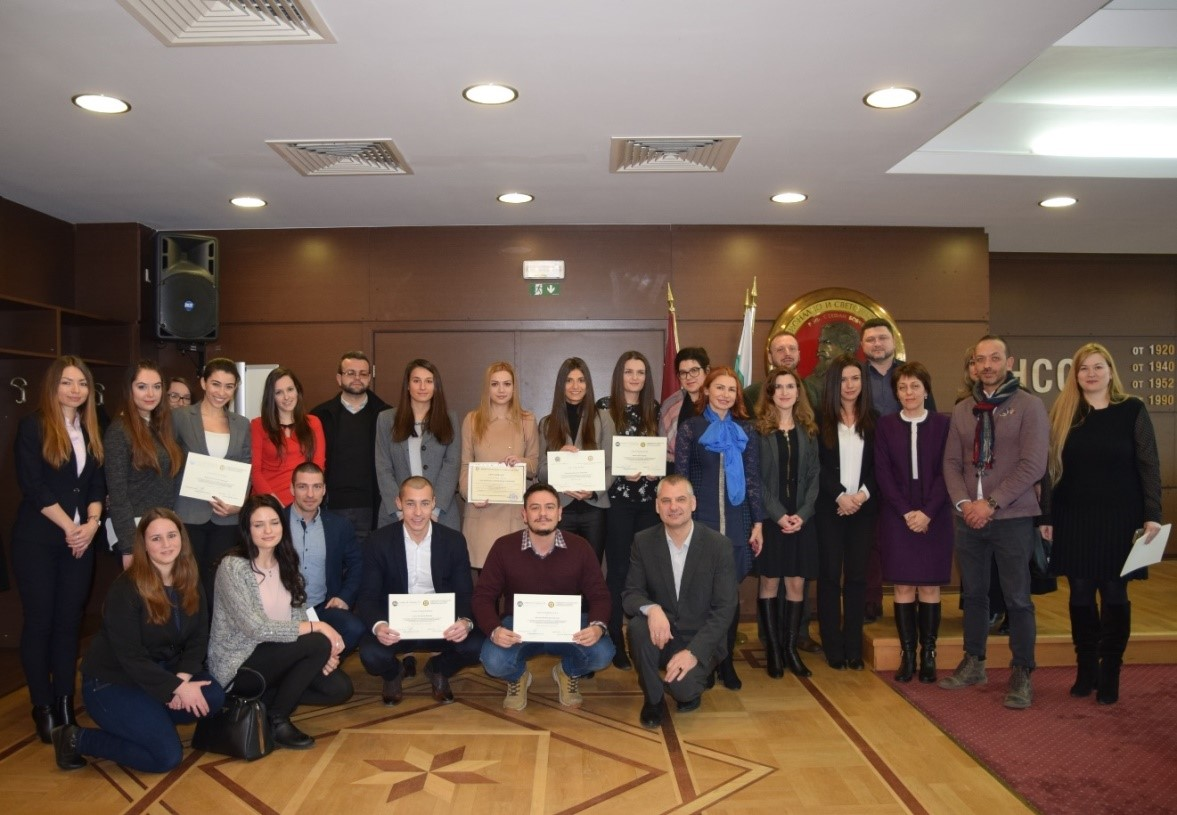 18 студенти получиха сертификати за стаж в АССГ