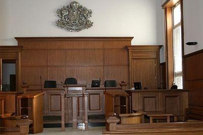 Условна присъда за съдийка, нарушила случайното разпределение, за да помогне на близък