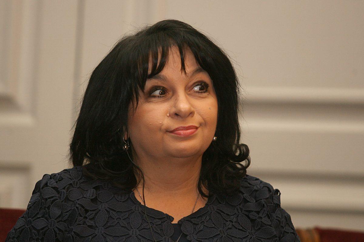 Министърът на енергетиката Теменужка Петкова ще подаде оставка