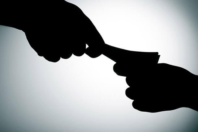 Условна присъда за адвокат, инсценирал, че подкупва прокурор