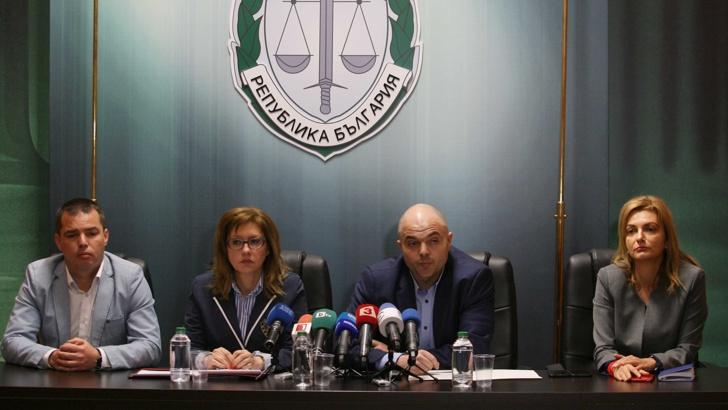 Задържаният за хвърлената бомба по полицаи се предал и казал, че съжалява