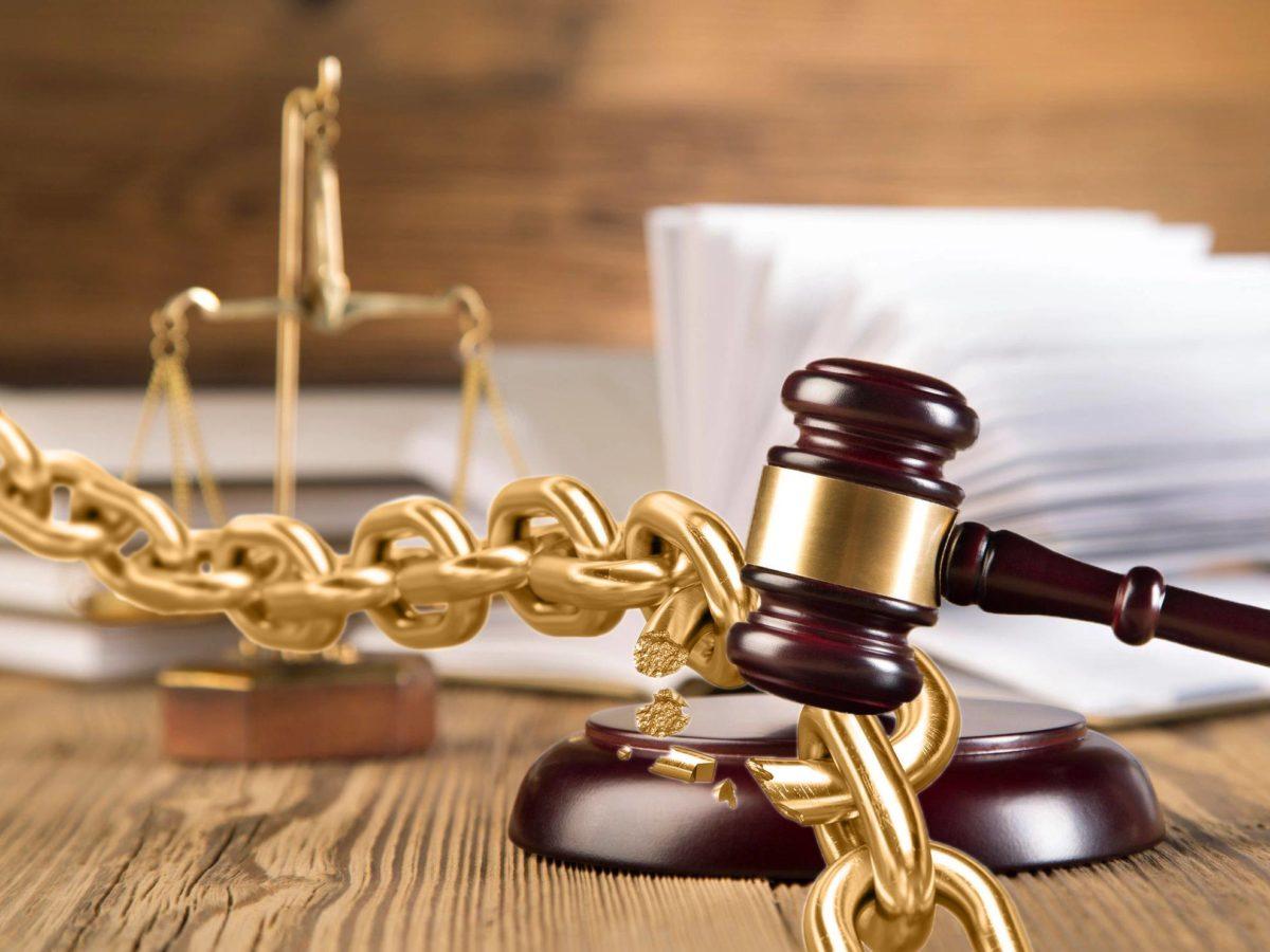 Изходът от извънредното положение – време да реставрираме правовата държава