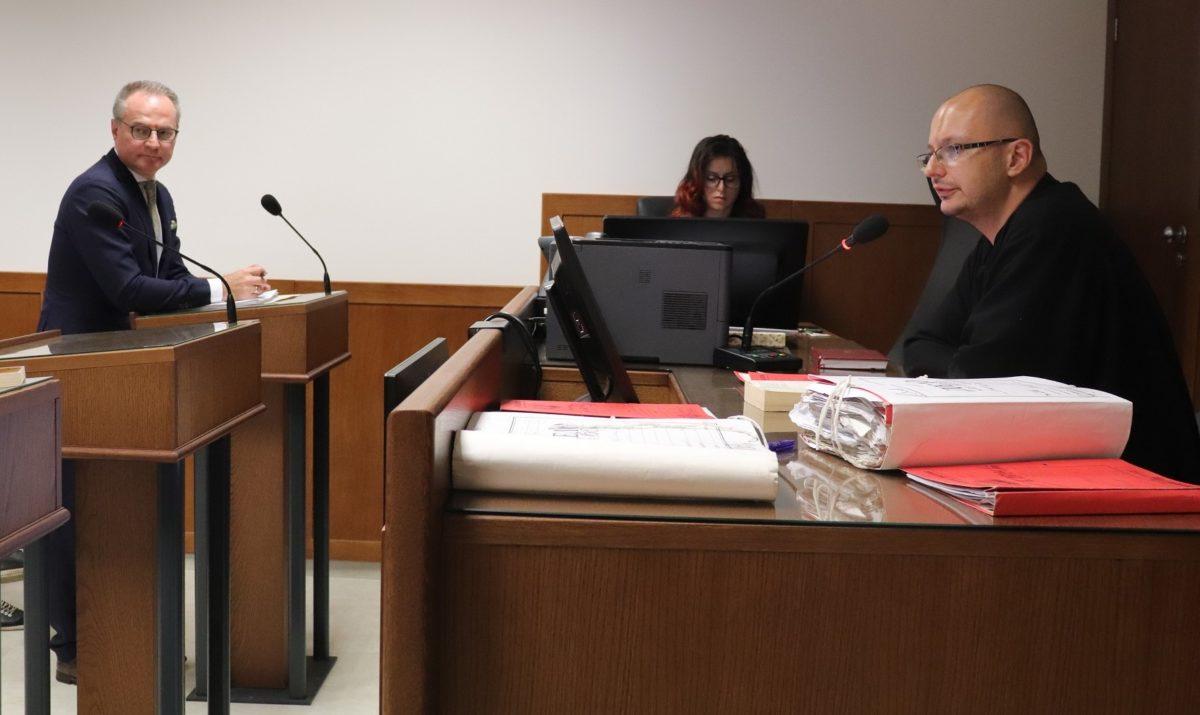 Председателят на ВКС застана пред районния съд като жалбоподател