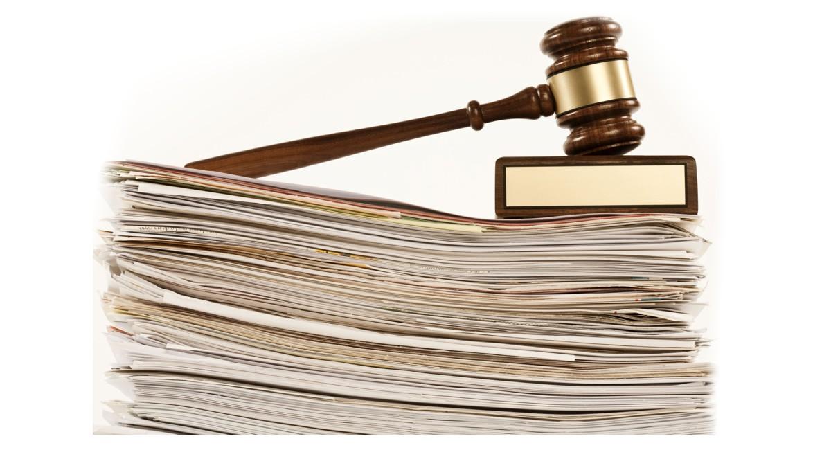 За конституционосъобразността на основанието за допускане до касация поради очевидна неправилност на решението