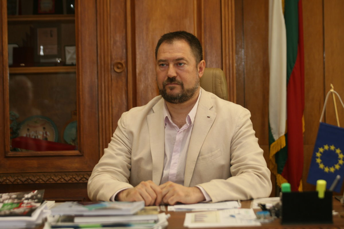 Бившият шеф на агенцията за българите в чужбина отива на съд