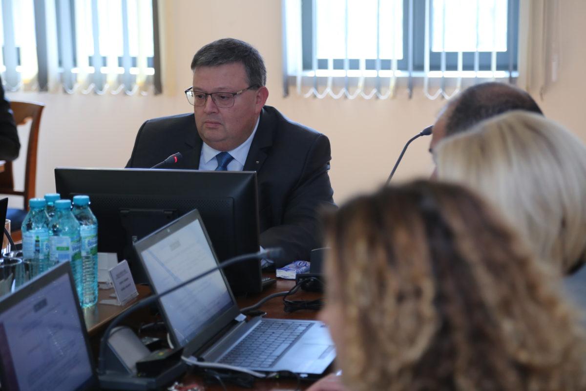 Главният прокурор ще пише механизъм за реакция при засягане на независимостта на обвинители