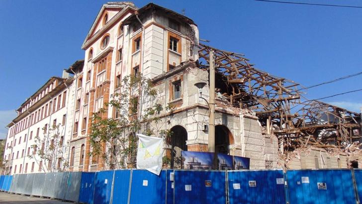 Съдът в Пловдив оправда подсъдимите за събарянето на тютюнев склад