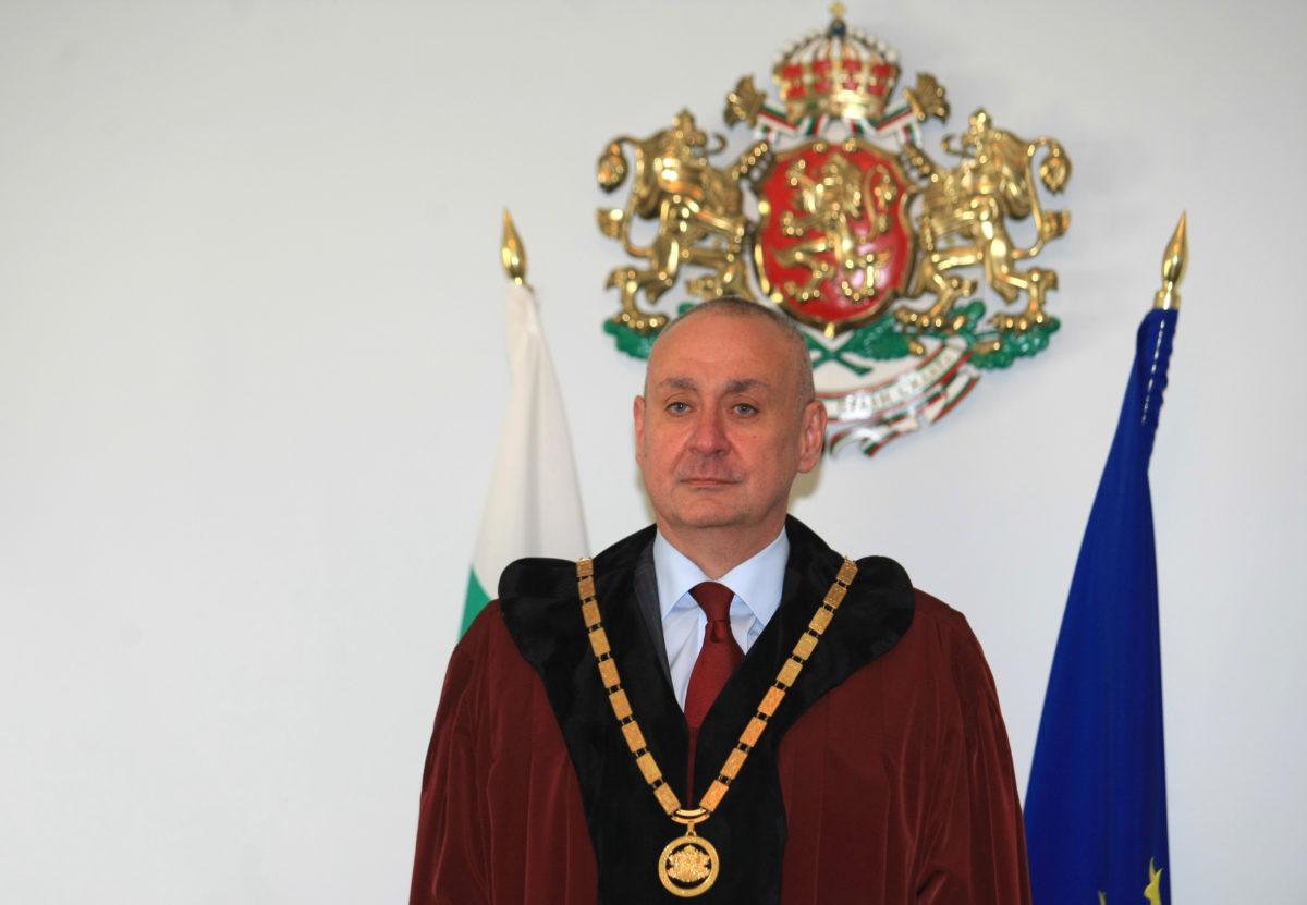Борис Велчев е преизбран единодушно за председател на Конституционния съд