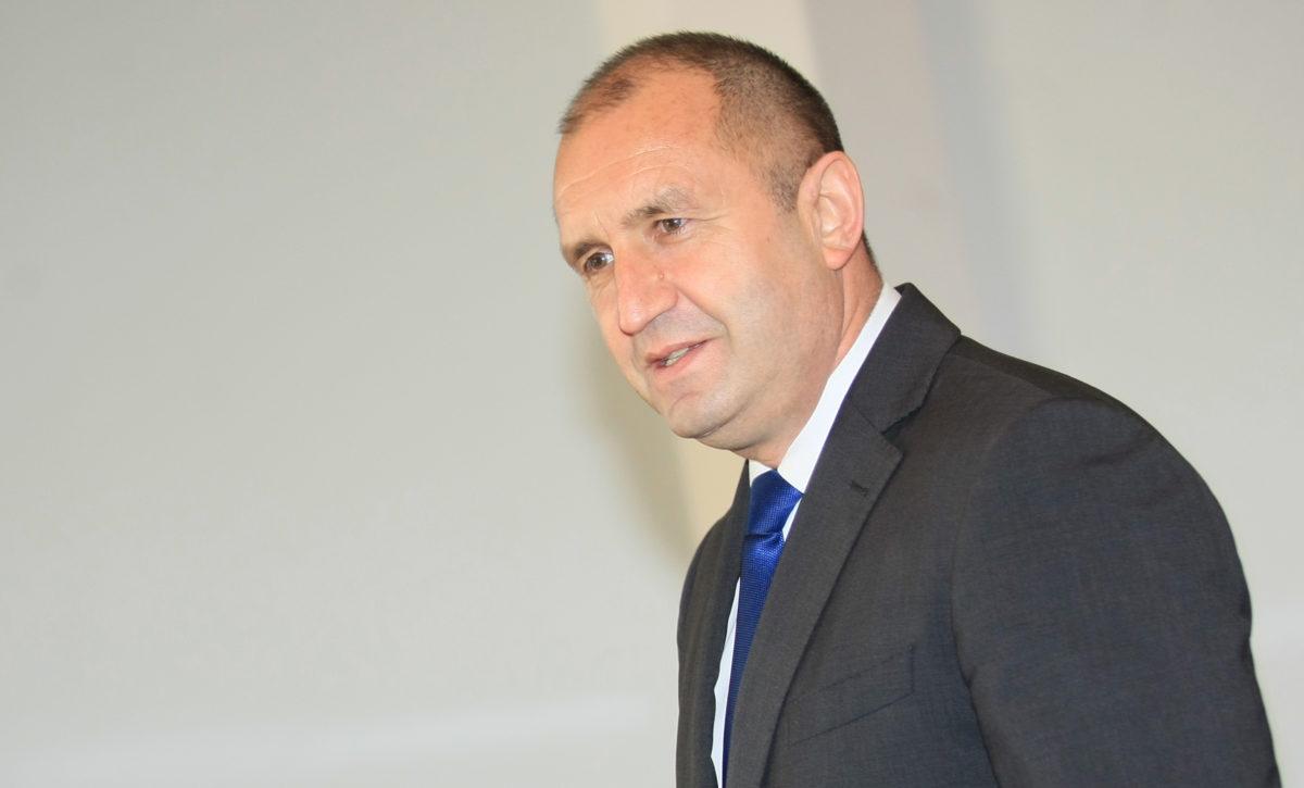 Президентът пита от Шипка: Кое налага Борисов да крие толкова далеч Пламен Георгиев?