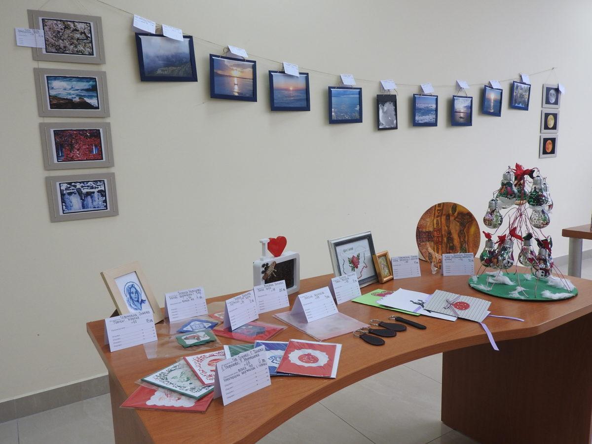 Съдии и служители организират благотворителни коледни базари
