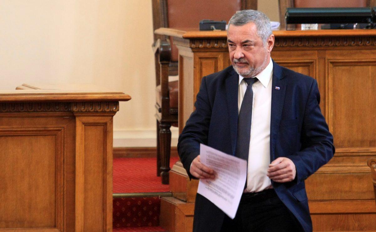 Валери Симеонов: Премиерът и правителството няма да подават оставки