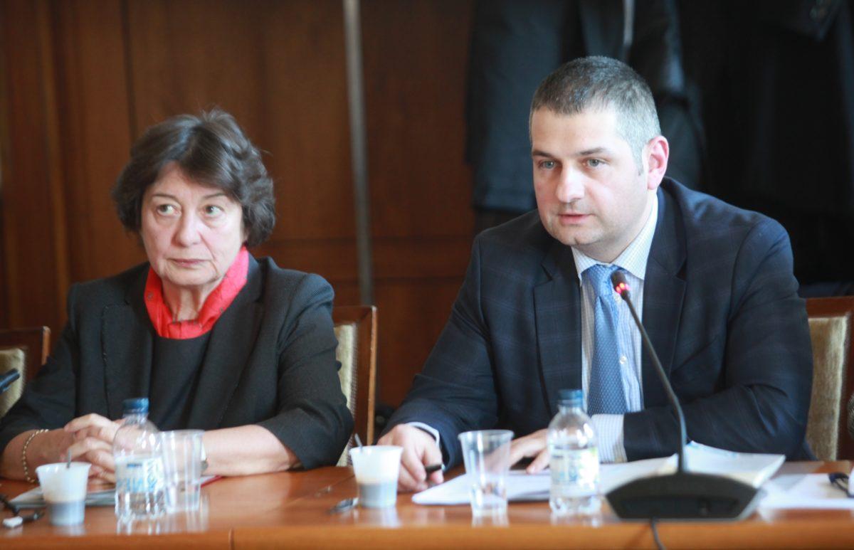 Правната комисия отхвърли ветото на президента за НПК