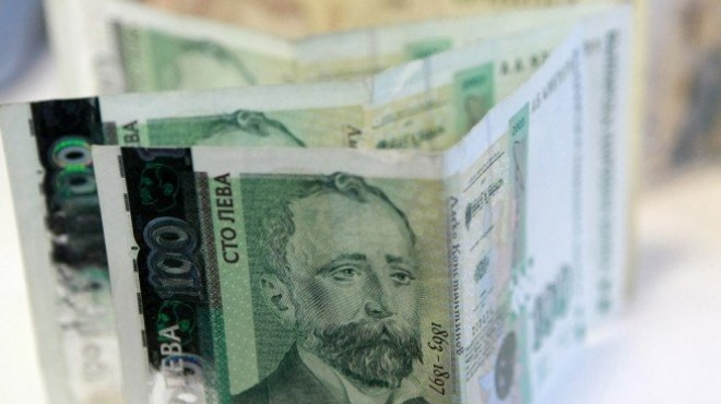 10% увеличение на всички заплати, с 50 лв. повече за ранг, ръст на възнагражденията на върховно ниво