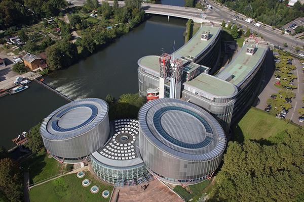 Съдът в Страсбург спира да обявява решения до нормализиране на дейността си