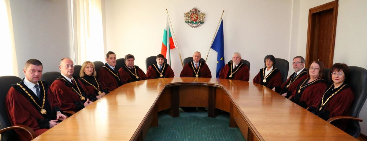 КС единодушно допусна питането на правителството за независимия прокурор