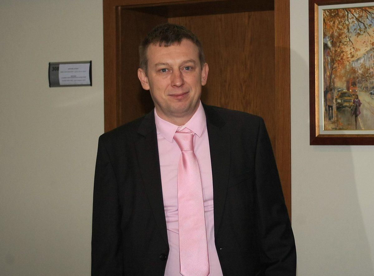 Спорът за гражданството на шефа на градския съд ще се решава в края на годината