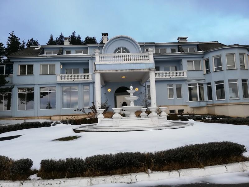 Имението на Баневи се продава на търг за почти 6 млн. лева