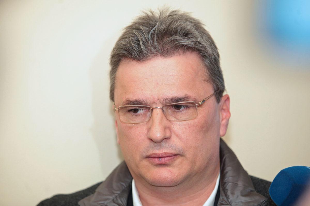 Основният свидетел срещу Цветан Василев започна разказа си в съда с Иван Костов