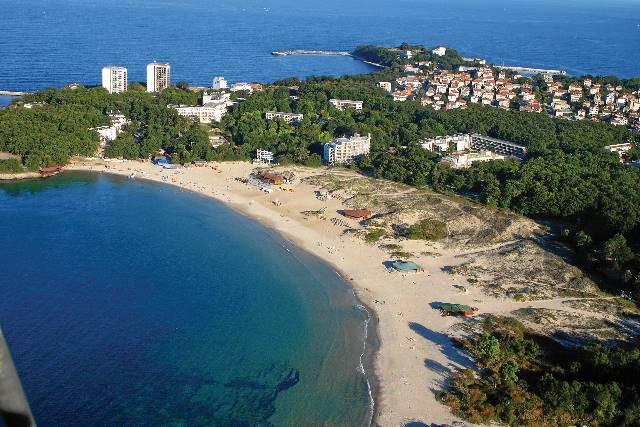 Новите данъци на курортните имоти противоречат на Конституцията
