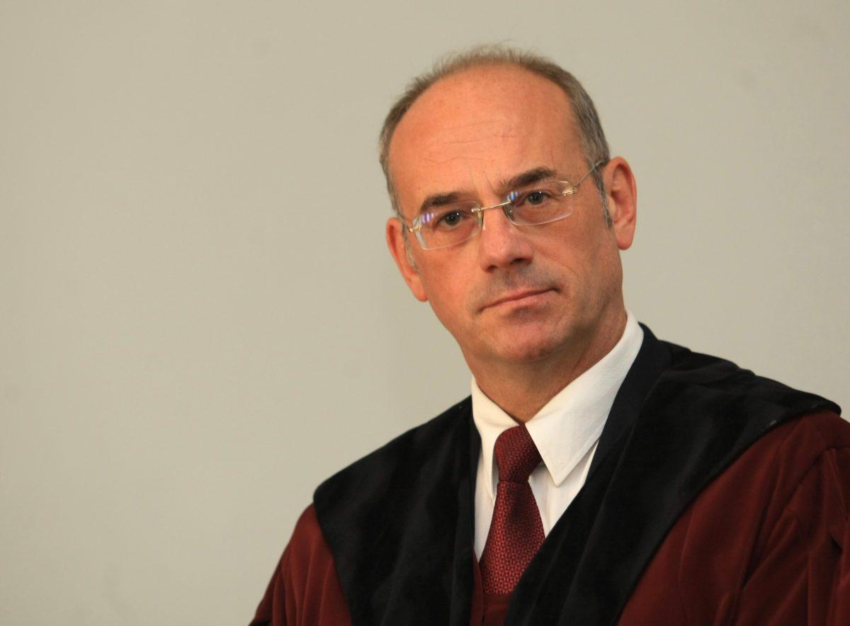 Кога адвокатурата може да сезира КС – особеното мнение на един конституционен съдия