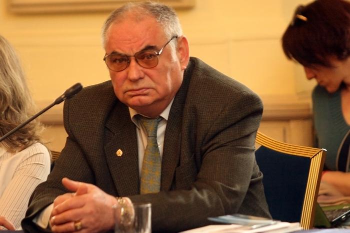 Обратно действие на някои решения на КС и още три идеи на проф. Пенчо Пенев