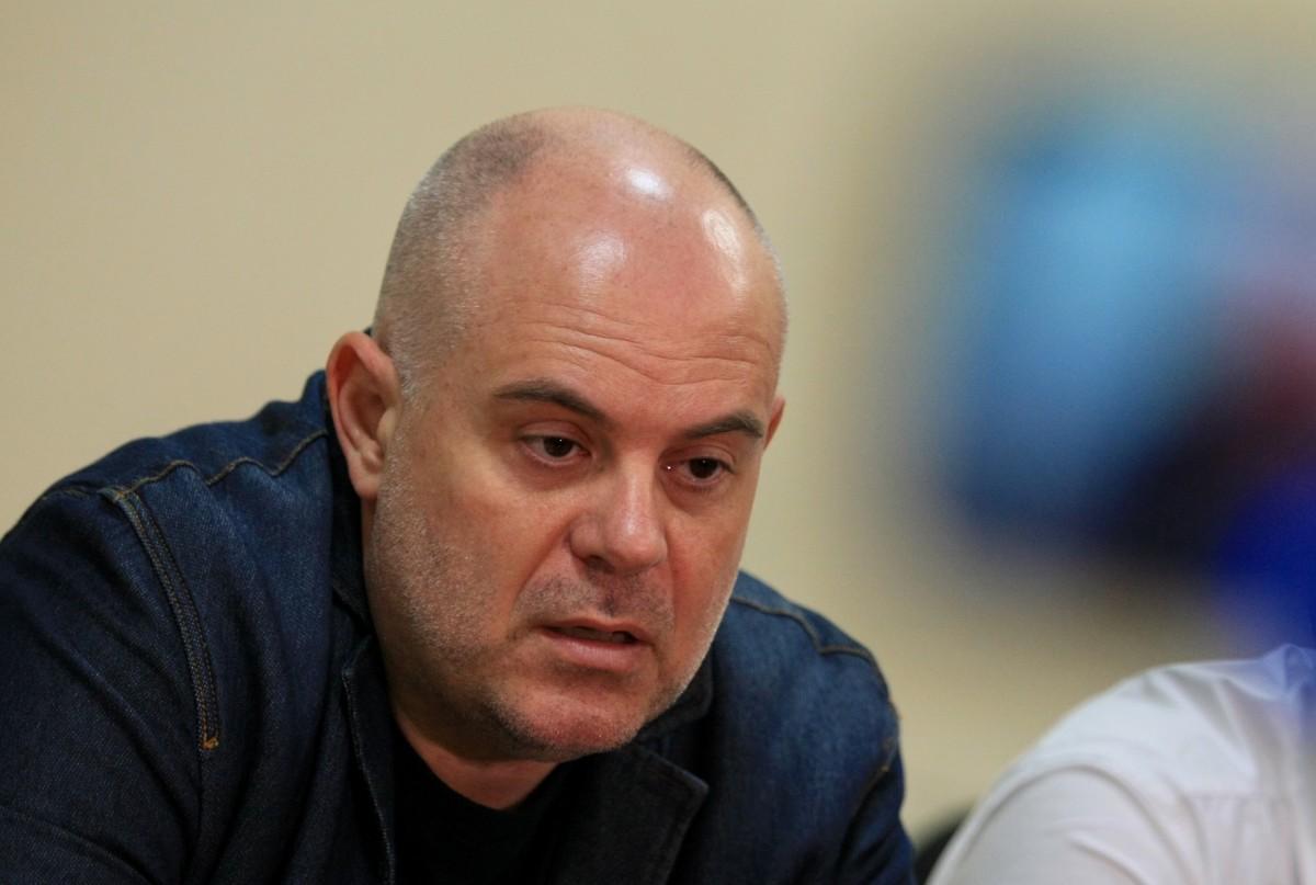 """Арестуваха шестима от фонд """"Земеделие"""" по дело срещу Миню Стайков"""