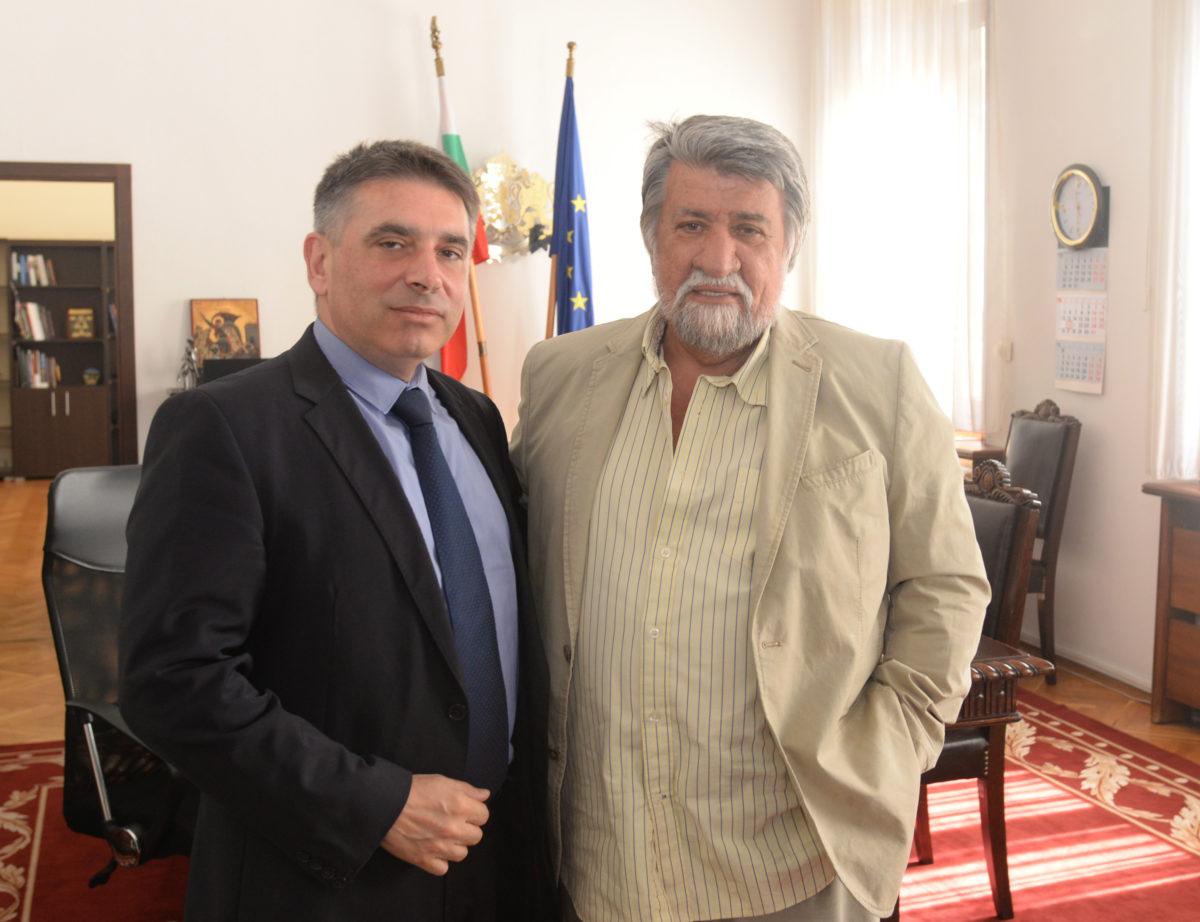 Данаил Кирилов и Вежди Рашидов искат законодателни промени за борба с фалшивите новини