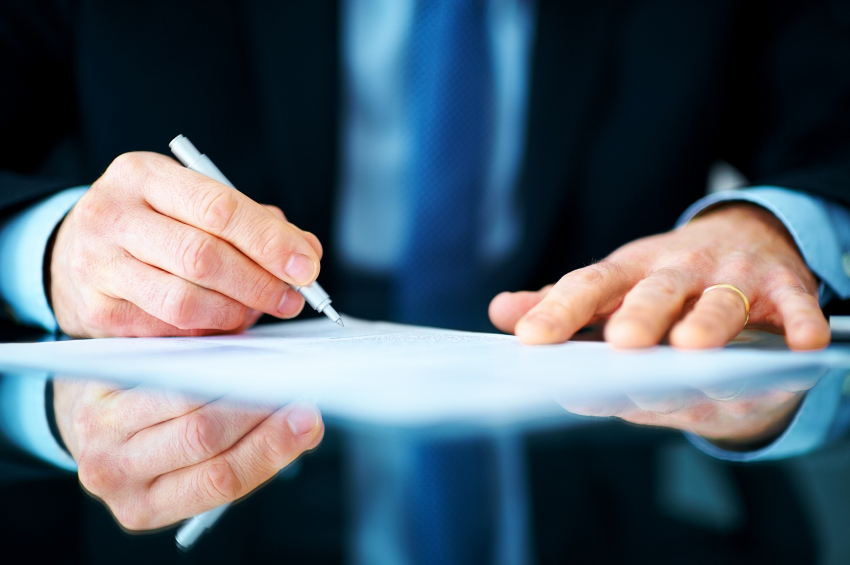 ВКС отговори как се оспорва автентичността на саморъчно завещание
