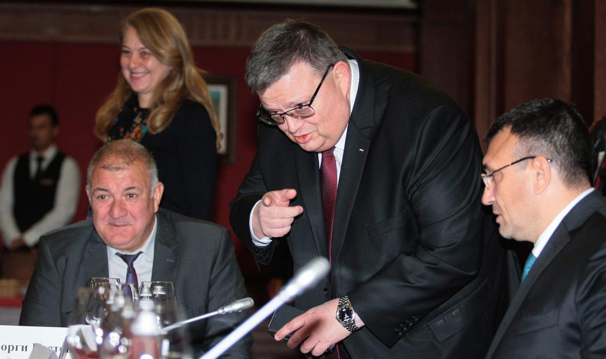 Цацаров на въпроса ще става ли шеф на КПКОНПИ: Ако имам планове, ще ги научите официално