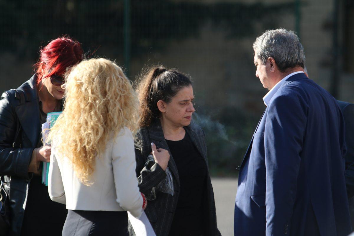 Апелативният спецсъд разреши на Биляна Петрова да харчи по 560 лева месечно от сметката си