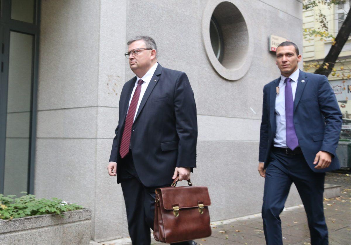 ДПС и НФСБ тепърва ще обсъждат кандидатурата на Цацаров за шеф на антикорупционната комисия