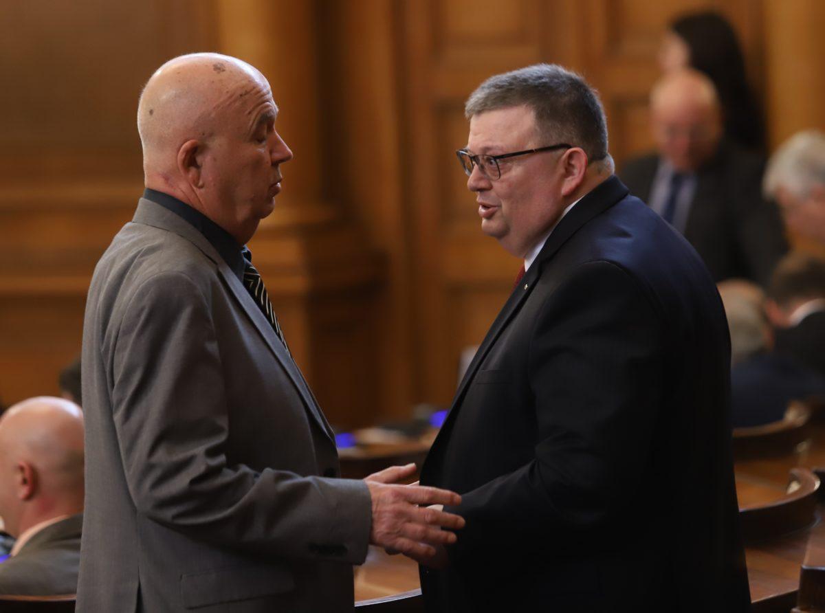 Със 165 гласа парламентът избра Сотир Цацаров за председател на КПКОНПИ