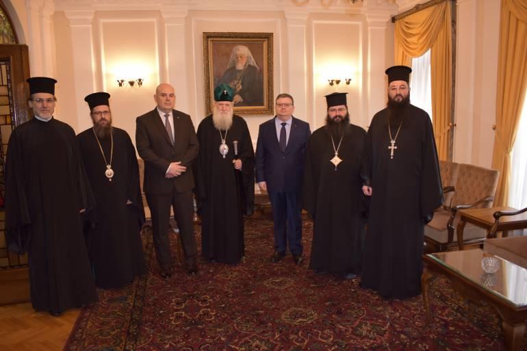 Патриарх Неофит се срещна с Цацаров и Гешев