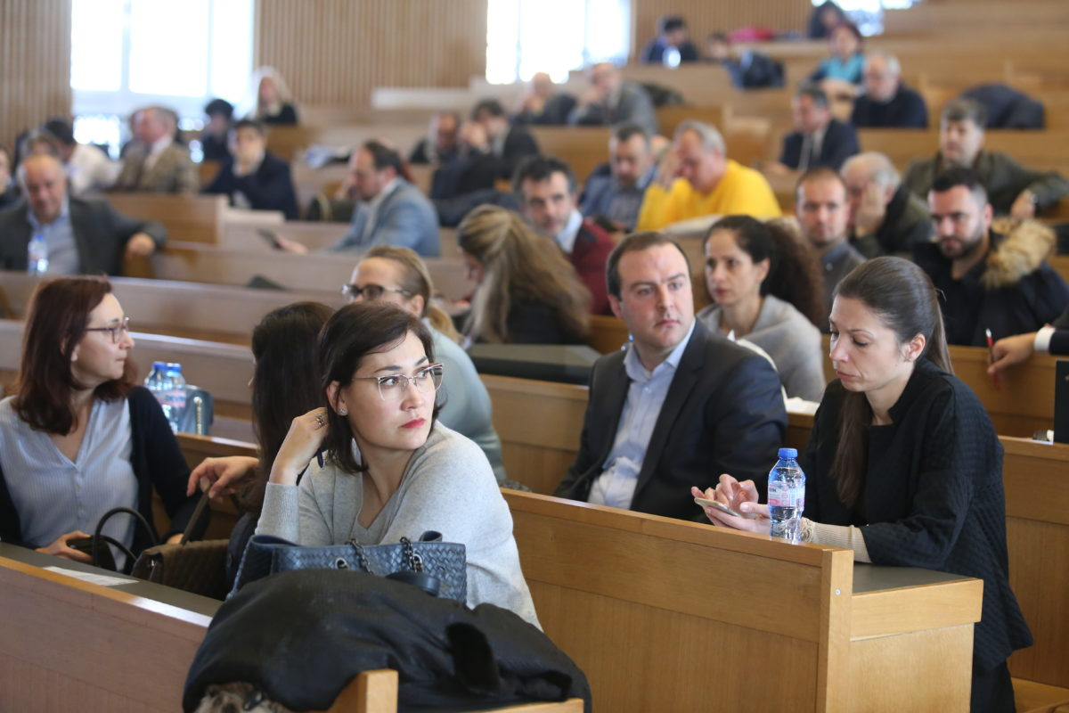 """Събранието на софийските адвокати – спорове по процедурата, идея за партия и призив """"да се вдигнем"""""""