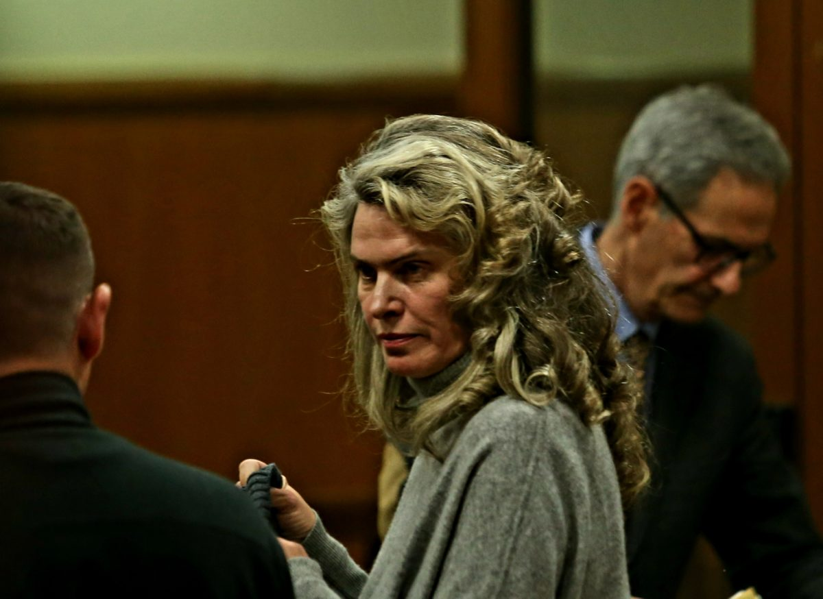 Жената на Васил Божков остава на свобода срещу гаранция от 1,5 млн. лева