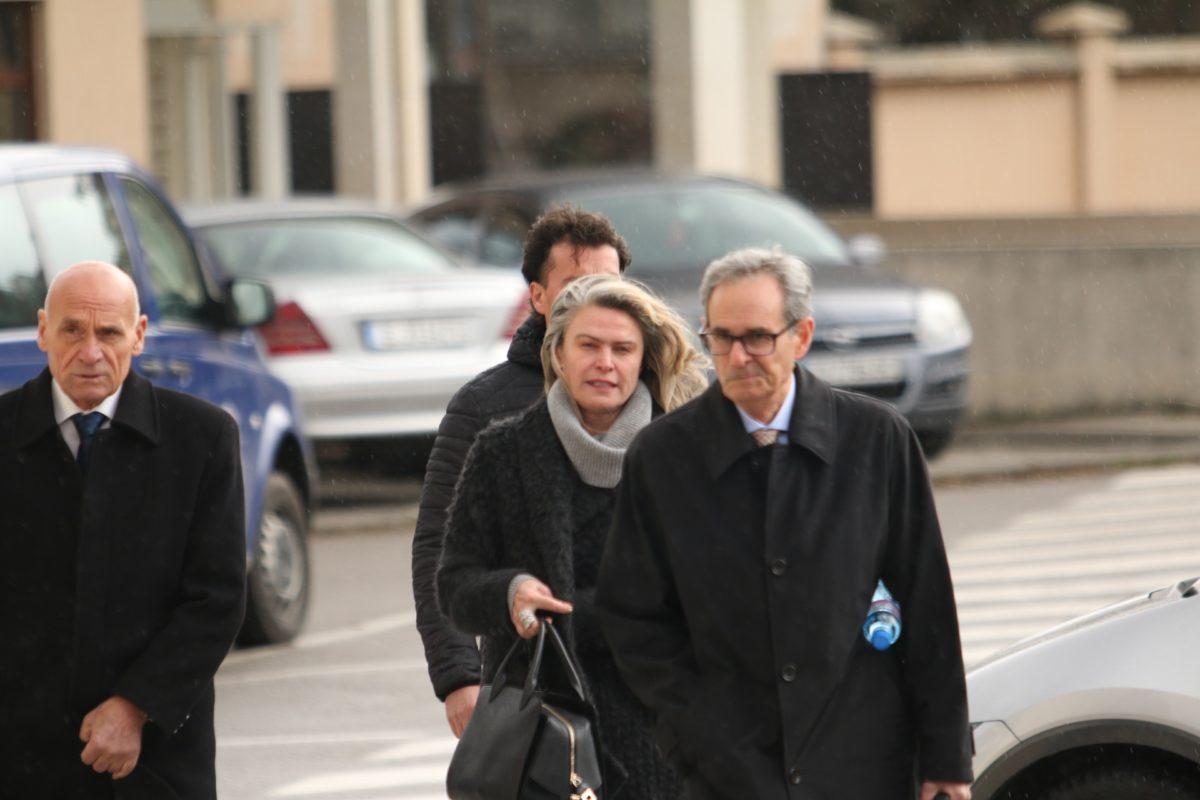Жената на Васил Божков влиза в ареста