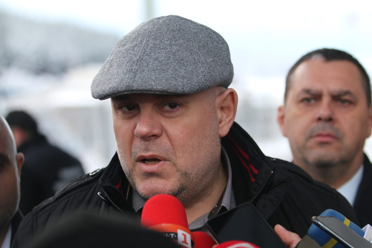 Иван Гешев: Политици и бизнесмени да спрат да дават акъл на прокуратурата