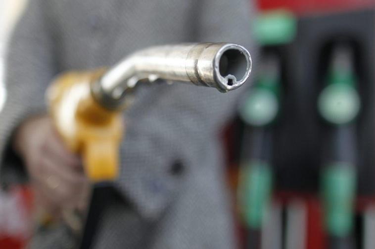 Прокуратурата сезира КЗК за разликата в цените на петрола и на бензина у нас