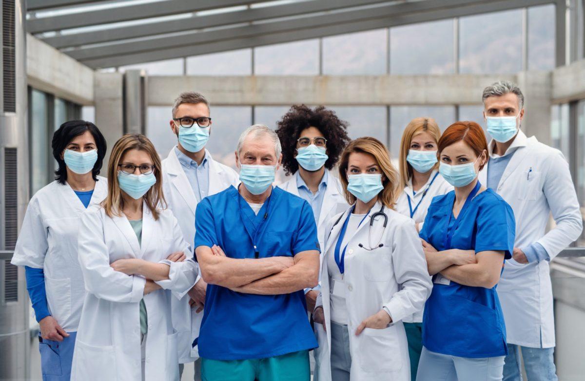 """Безплатен достъп до """"Сиела Здравеопазване"""" за всички медици до края на извънредното положение"""