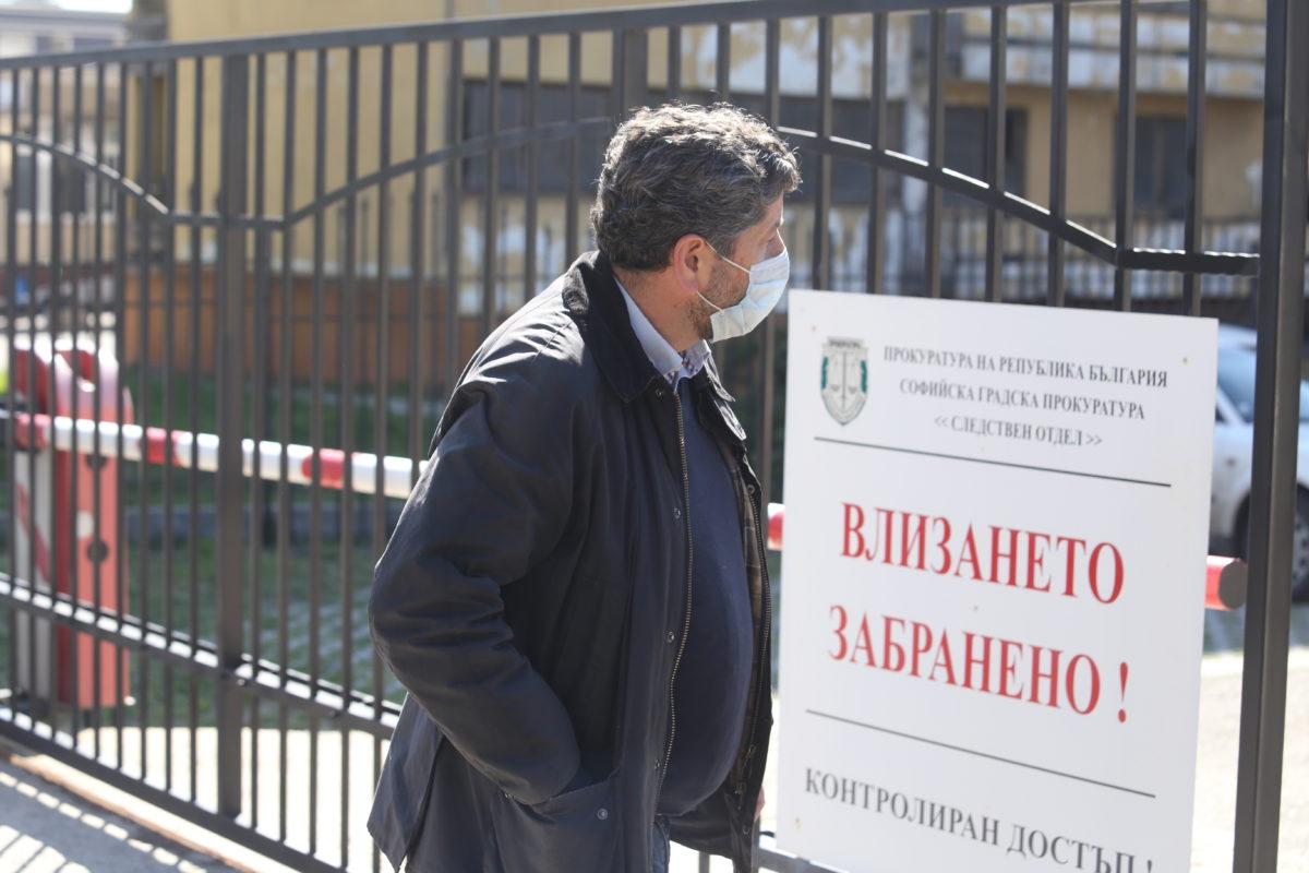 Прокуратурата пак разследва кой е подписвал Христо Иванов