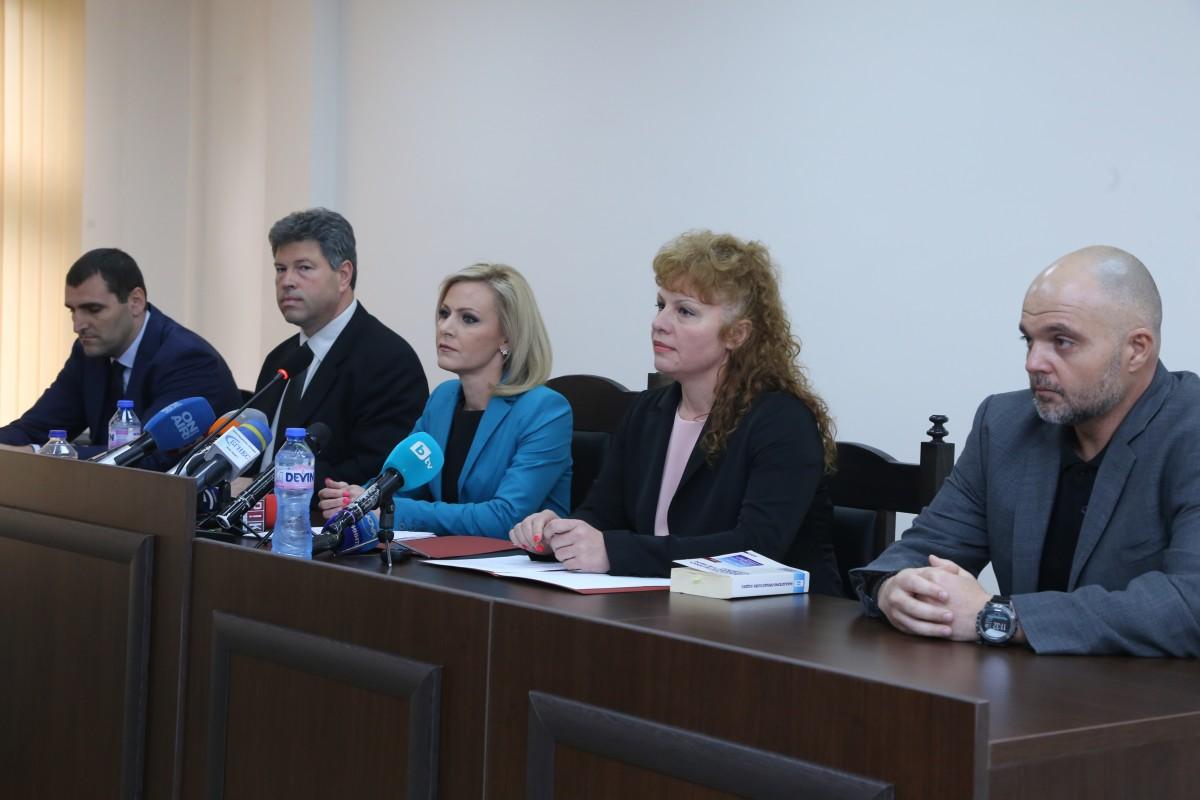 Пламен Бобоков държал снимка и биография на прокурор по делото срещу Божков