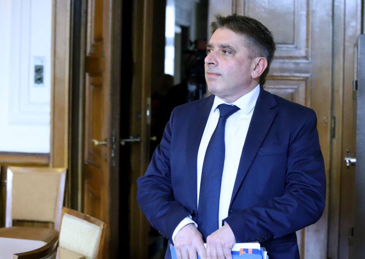 Данаил Кирилов: Имам огромно желание да си подам оставката, но с последния доклад се гордея