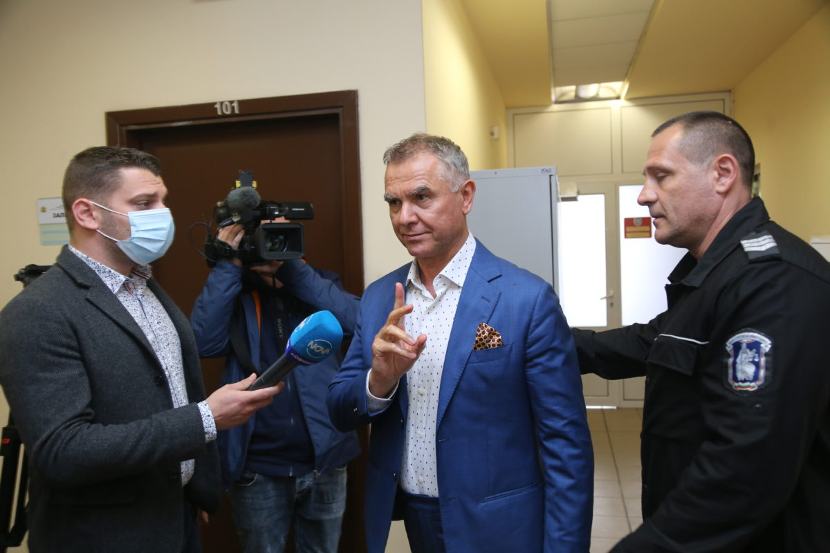 Атанас Бобоков преписал списъка с милионерите от книга