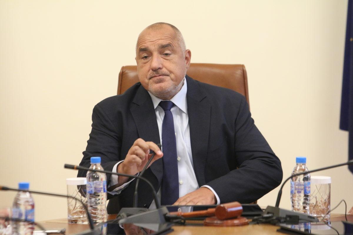 Парламентът задължи премиера Бойко Борисов да се яви пред него