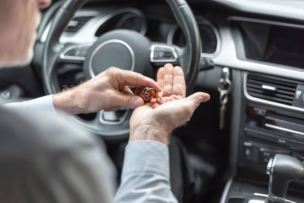 Проблемът с лекарствата с рецепта, шофирането и наказателната отговорност и възможните решения
