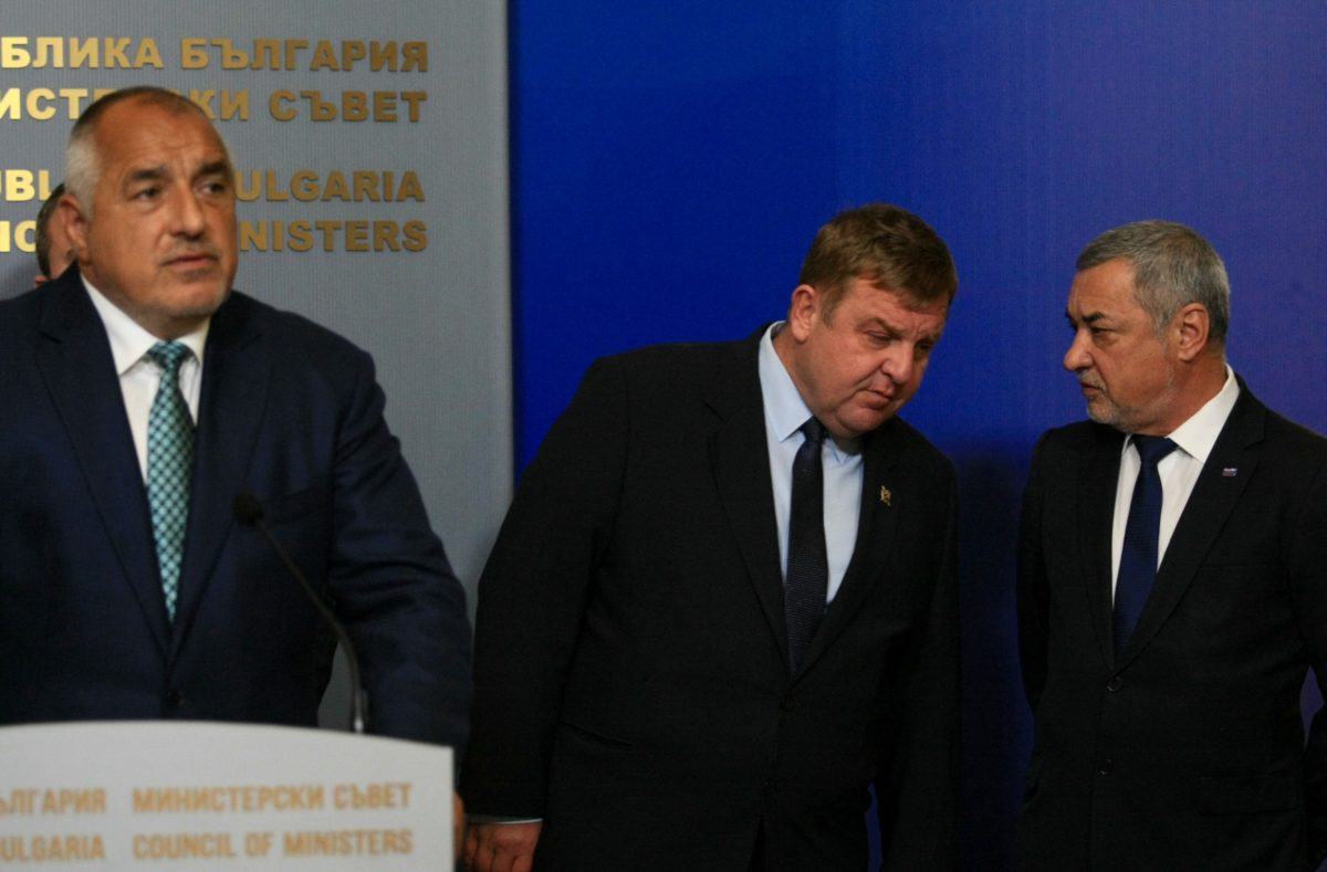 Управляващата коалиция обяви: Оставаме до пролетта, а министрите – поне до вота