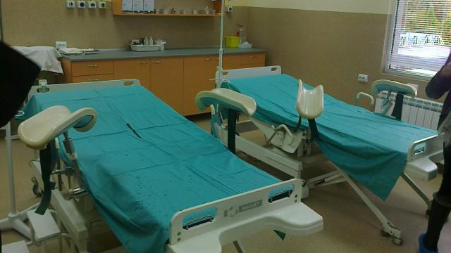 Лекари са окончателно осъдени за смъртта на бебе и родилка