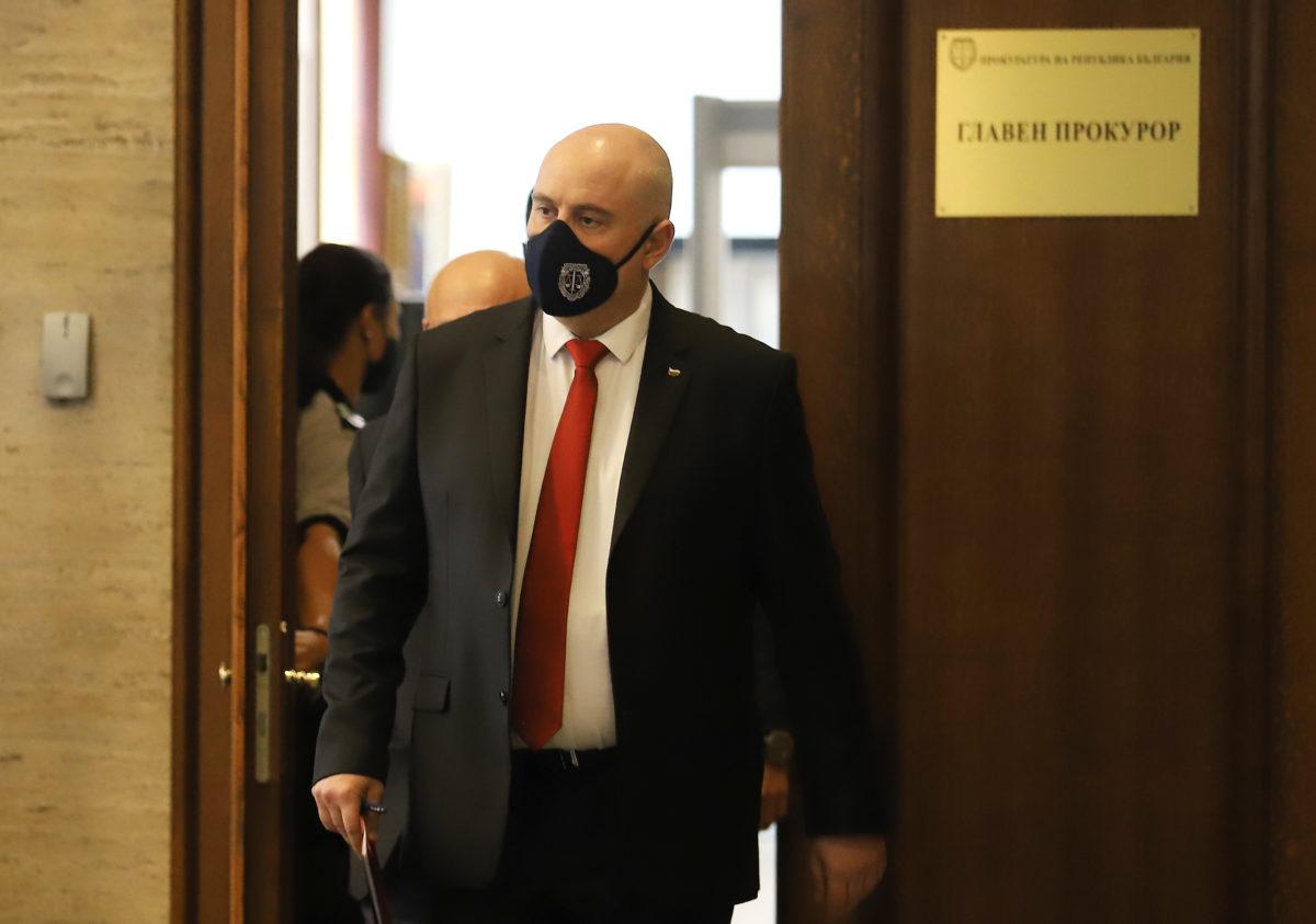 Главният прокурор се самоизолира, има близък с COVID-19